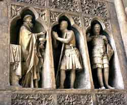 A photograph of statues of Melchizedek and Abraham in the façade of cathedral in Reims, France